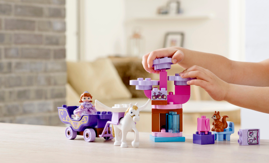 DUPLO Friends castle, horse and carriage