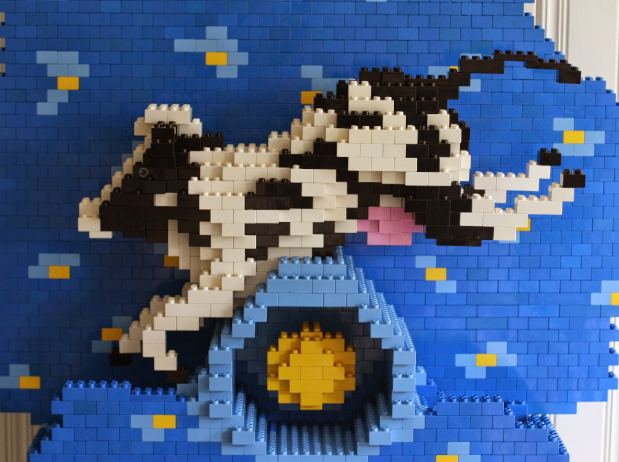This LEGO® DUPLO® cow jumping over the moon is done by Build with me blog.